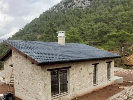 Fethiye Üzümlü Kızılbelde Satılık Sıfır Müstakil Taş Ev